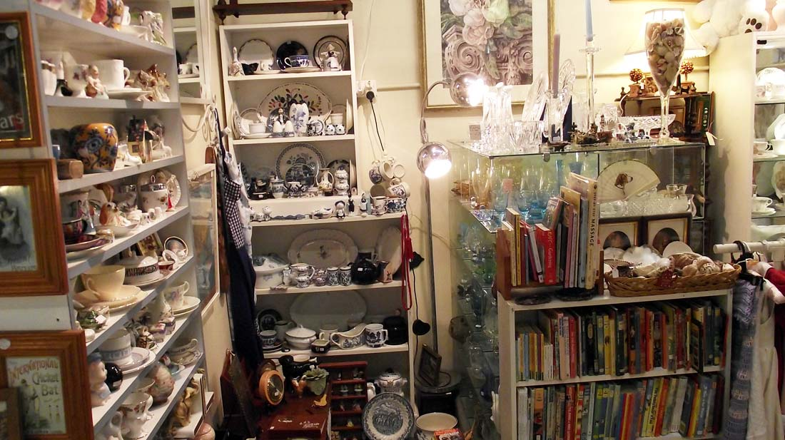 antiques-and-collectables-bayside